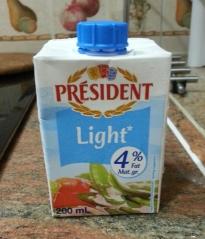 我用這款低脂忌廉製作白汁。